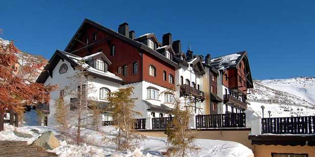 Hotel Rumaykiyya Sierra Nevada exterior