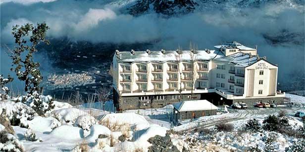 Hotel Santa Cruz Sierra Nevada exterior