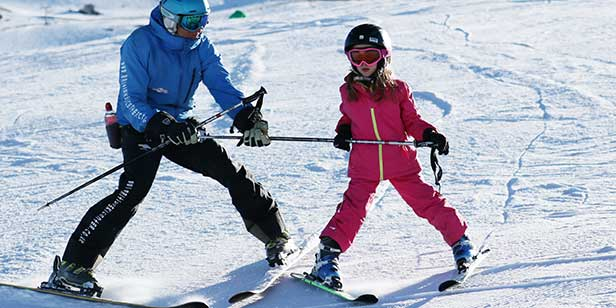 Ski and snowboard lessons in the Sierra Nevada Spain